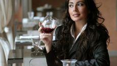 Какие способы помогут женщине бросить пить