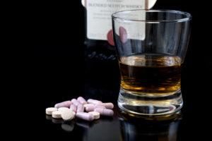 Алкоголь с таблетками