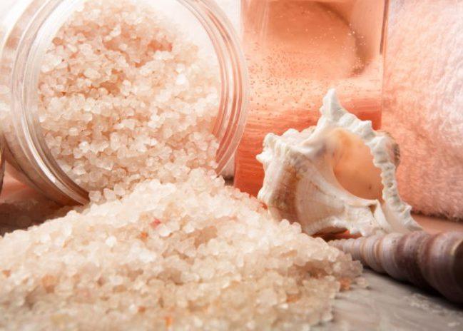 Принять ванну с морской солью