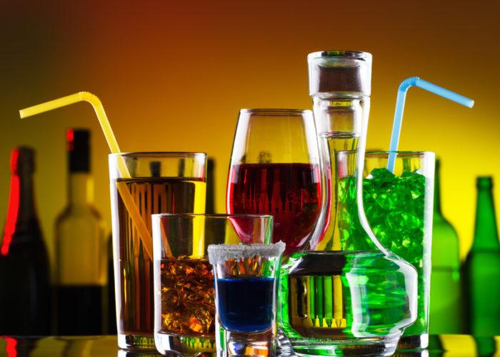 Употребление алкоголя вперемешку