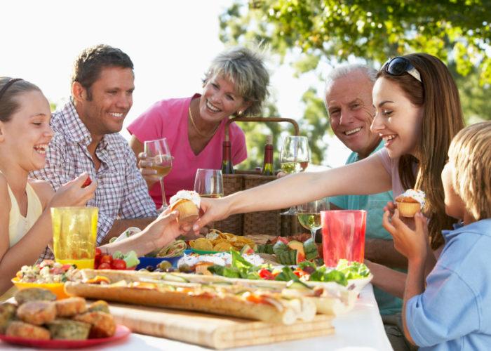 Регулярное общение с родственниками и друзьями
