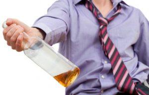 Алкоголик может вести себя агрессивно