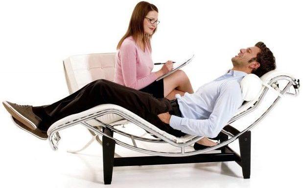 Если пациент был закодирован с помощью гипноза, то ему необходимо обратиться к психотерапевту