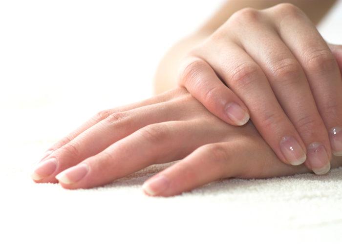 Предотвращают ломкость ногтей