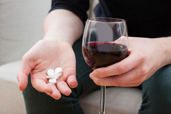 Препарат совместим с алкоголем
