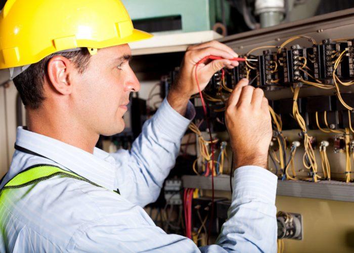 Работать электриком