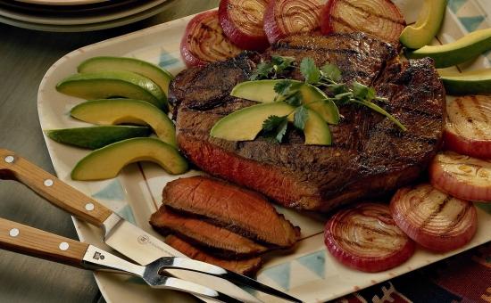 Рекомендуется есть мясные блюда