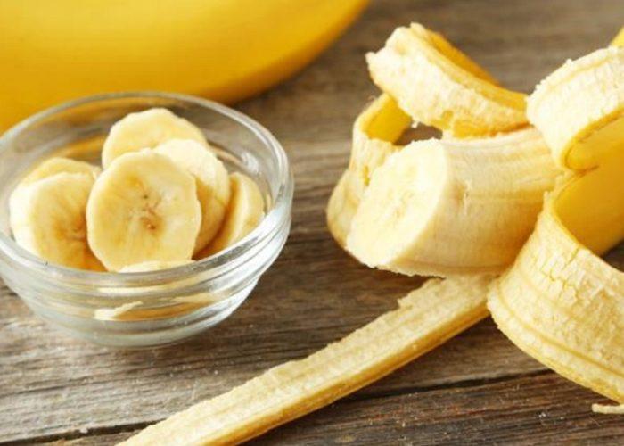 Съесть банан