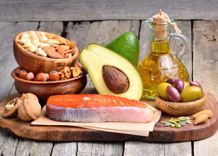 Употребление в пищу таких продуктов как орехи, рыба и фрукты