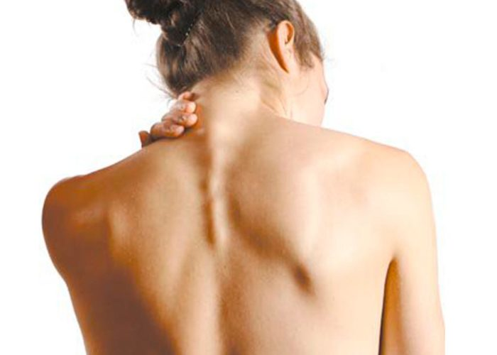Затвердение мышц шеи