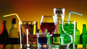 Чтоб опьянеть быстрее нужно пить через соломинку