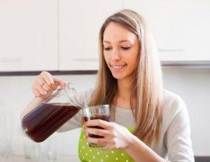 Если возникает непреодолимое желание выпить, можно сделать пару глотков кваса
