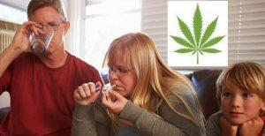 Курение при детях строго карается законом