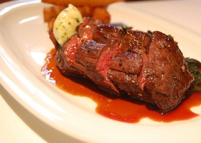 Обжаренное красное мясо