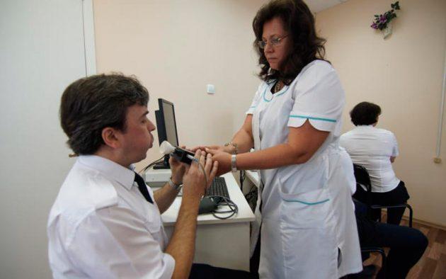 Проведение медицинского осмостра и проверка алкотестером
