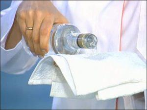 Растирание водкой при температуре