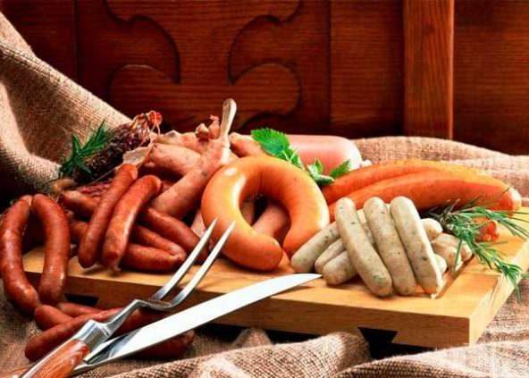 Рекомендуется в больших количествах употреблять тяжёлую жирную пищу