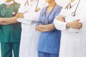 Специалисты реабилитационного центра Здоровая страна