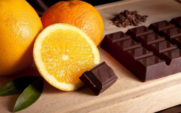В качестве закуски к данному напитку хорошо подойдут цитрусовые и темный шоколад