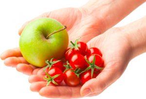 Яблоки и томаты