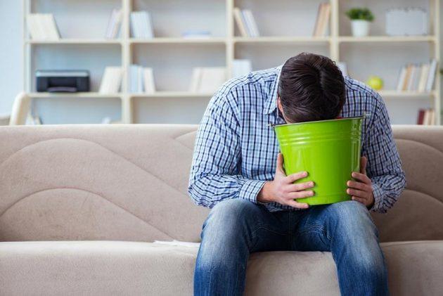 Привыкание к морфину во время абстинентного синдрома способствует появлению рвоты