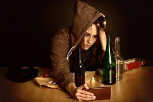 Злоупотребление алкоголем приводит к дефициту тиамина